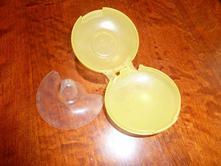 1 kontaktní kojící klobouček medela,