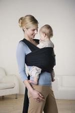 Elastický šátek na nošení miminka, - aby Kubíček mohl být pořád u maminky :-)
