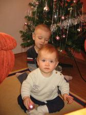 jedna vánoční u stromečku :-)