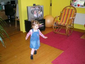tancuje na oblíbenou Dádu
