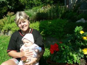 S babičkou na chatě