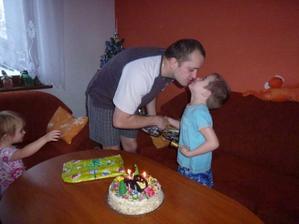 Tatínek gratuluje:-)
