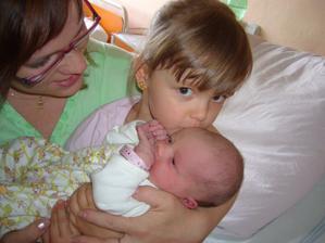Sestřička - chůvička :-)