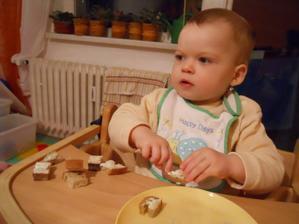 Toto byl původně chleba s máslem, salámkem a sýrem, :-) důkladně oždibáno :-)