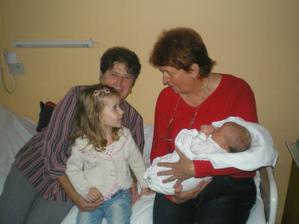 naše princezny s babičkami