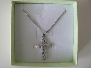 Zlatý křížek,dárek od tatínka za Emičku:-)