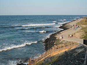 """Nový - dokončený """"obchvat"""" mezi severní a jižní pláží"""