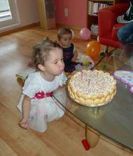 První oslavička s babičkama :)
